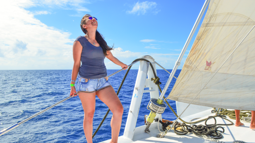 sail on the island