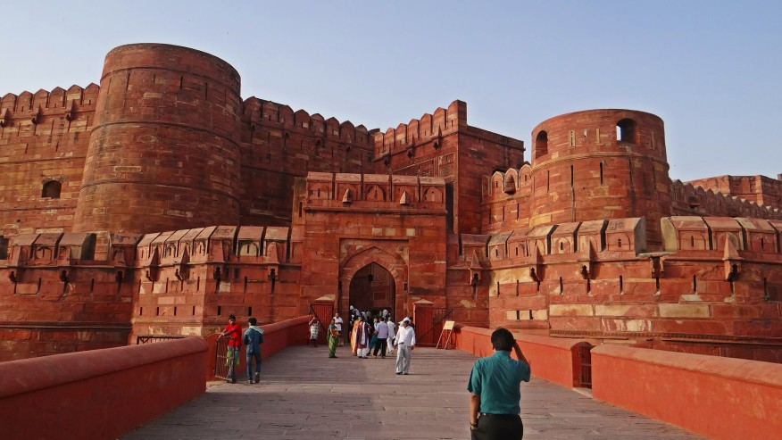 Explore the beautiful Agra Fort from Agra, India
