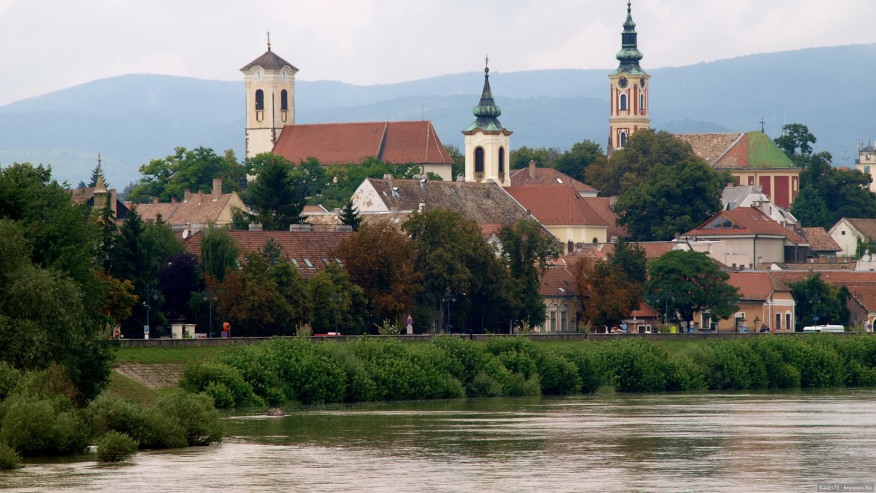 Along the Danube bend