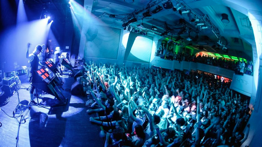 Experience one of the most happening nightlife in all of Europe