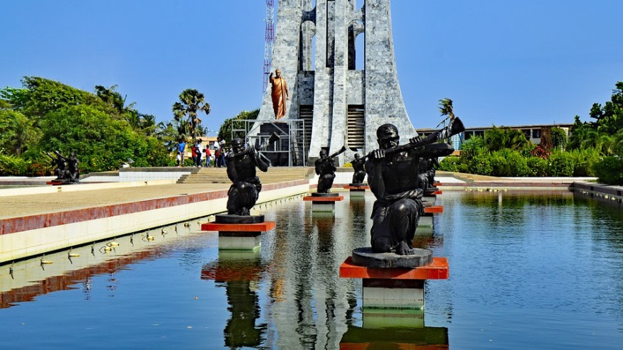 Tour the cities of Ghana