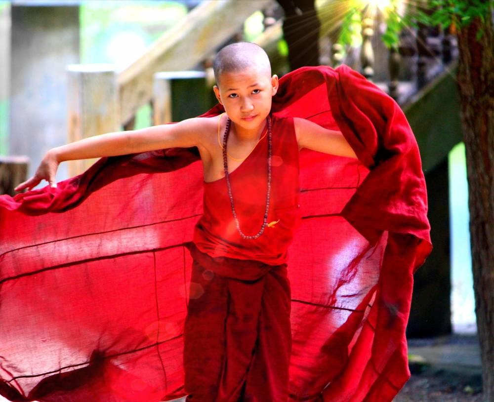 Phaung Daw Oo Pagoda Festival