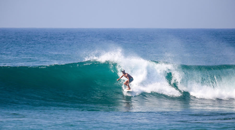 Surf the Waves in Arugam Bay, Sri Lanka