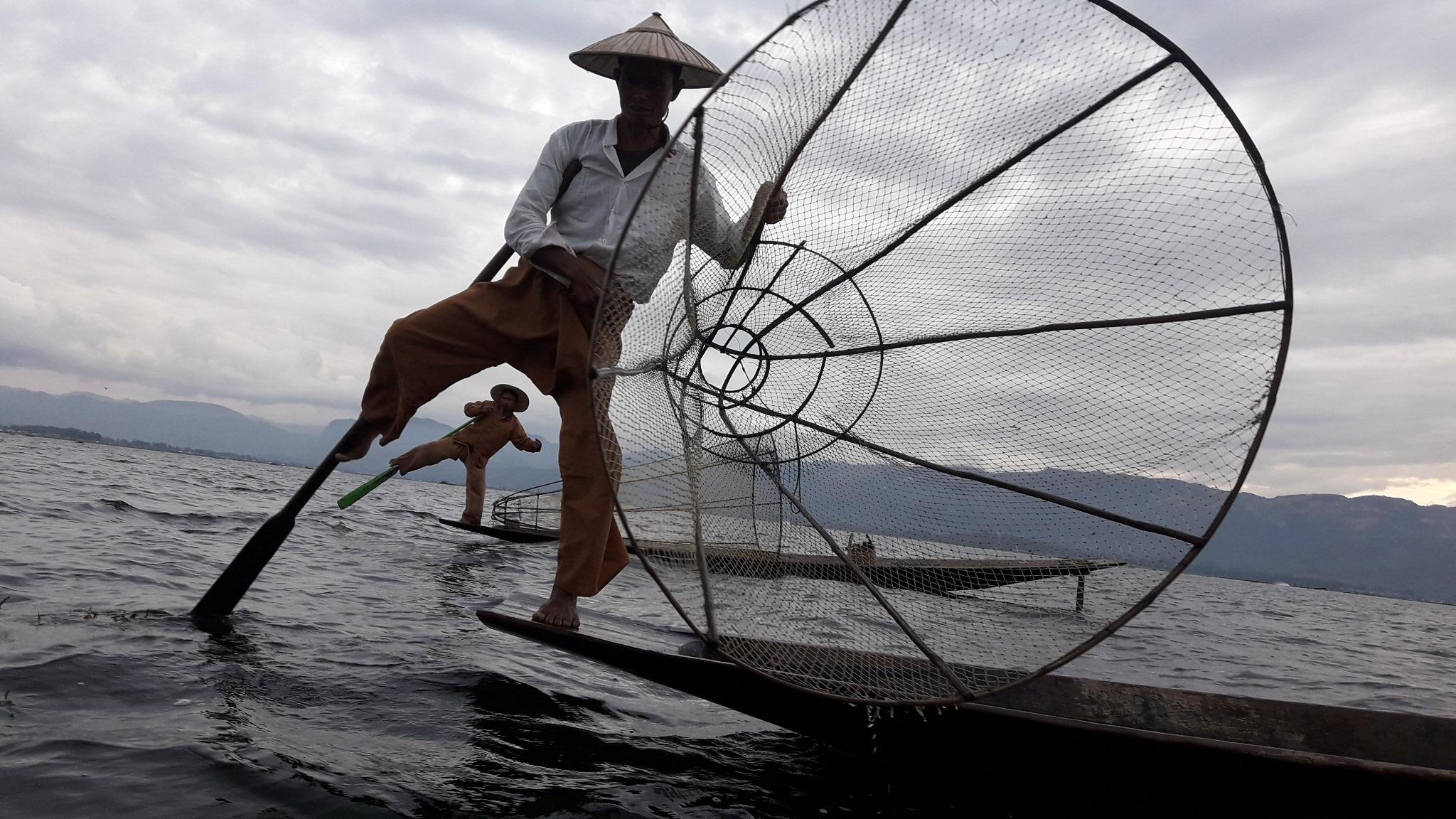 One Leg rower Fishermen at Inle Lake