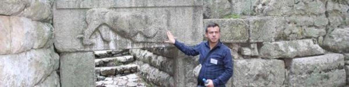 tirana-tour-guide