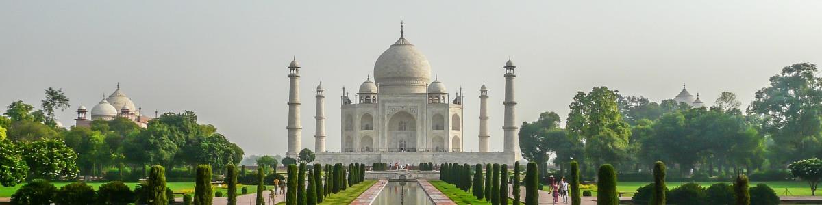Taj-Mahal-Tourist-Guide-in-India