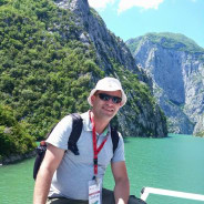 dorian-tirana-tour-guide