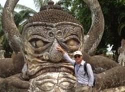 somphong-vientiane-tour-guide