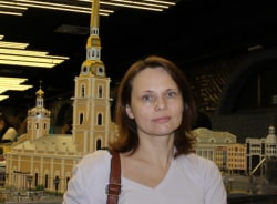 liubov-saintpetersburg-tour-guide