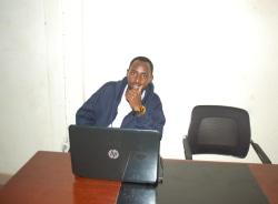 julius-kigali-tour-guide