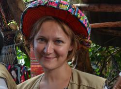 lina-antiguaguatemala-tour-guide