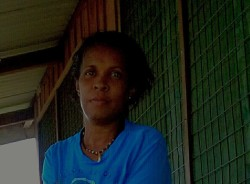 minnie-alotau-tour-guide