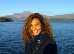 cintia-valencia-tour-guide