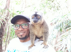 lemurs-antananarivo-tour-guide