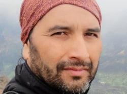 joseadolfo-santiago-tour-guide