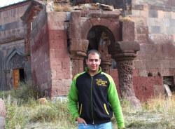 armen-gyumri-tour-guide