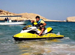 markdave-muscat-tour-guide