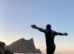 edmilson-praia-tour-guide