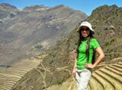 clarisa-cusco-tour-guide