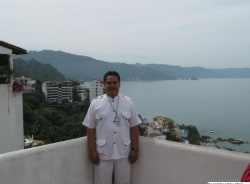 raul-puertovallarta-tour-guide