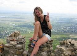 alina-tbilisi-tour-guide