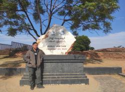 nyi-mandalay-tour-guide