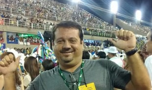 carlos-riodejaneiro-tour-guide