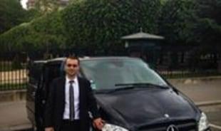 hasan-paris-tour-guide