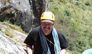 ramiro-quito-tour-guide