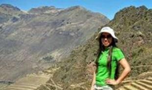 clarisa-cusco-tour-guide