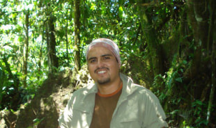 alex-quito-tour-guide