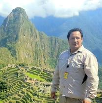 yarikzambrano-cusco-tour-guide