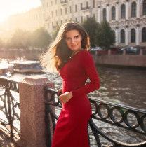 yuliakiseleva-saintpetersburg-tour-guide
