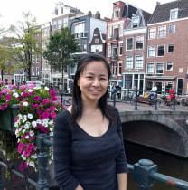 mariyamamoto-amsterdam-tour-guide