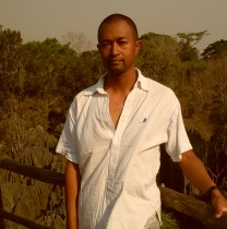 nirinaralaimiadana-antananarivo-tour-guide
