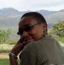 stellahnjeri-nairobi-tour-guide