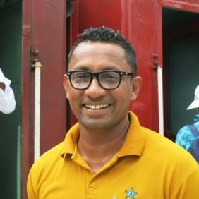 irosh-colombo-tour-guide