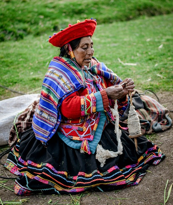 Local woman at the Inca Valley