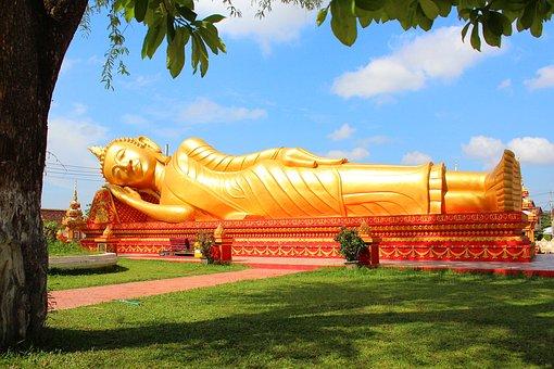 Reclining Buddha at That Luang Stupa