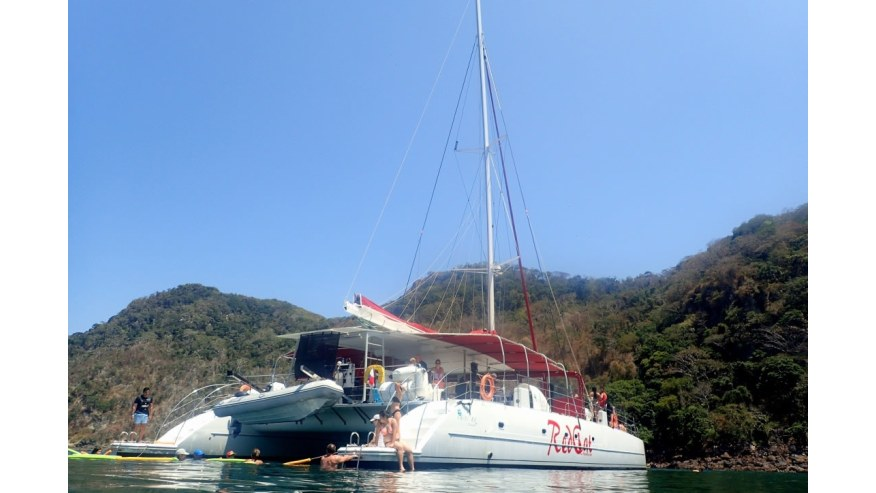Catamaran to Taboga