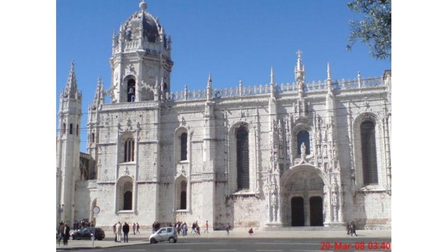 Gain Unique Insights into the Portuguese Capital