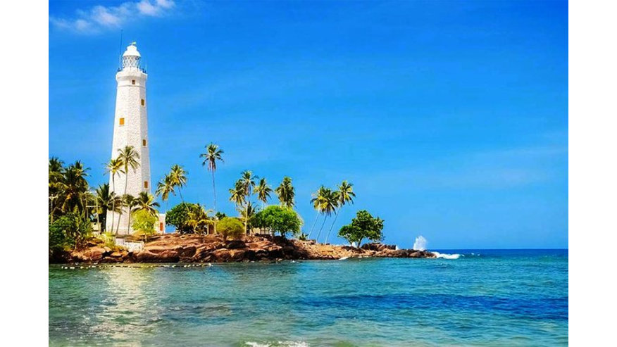 Galle lighthouse and Indian Ocean