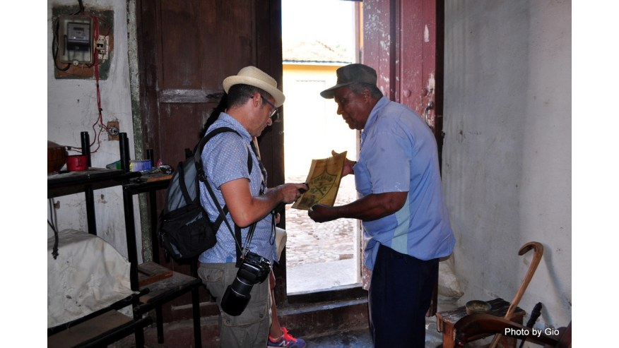 Interact with people of Trinidad, Cuba
