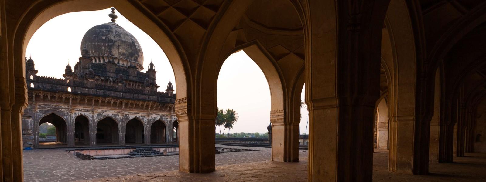 Bijapur-Tour-Guide