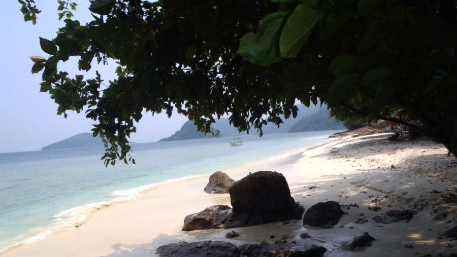 Beach on Pamutusan Island