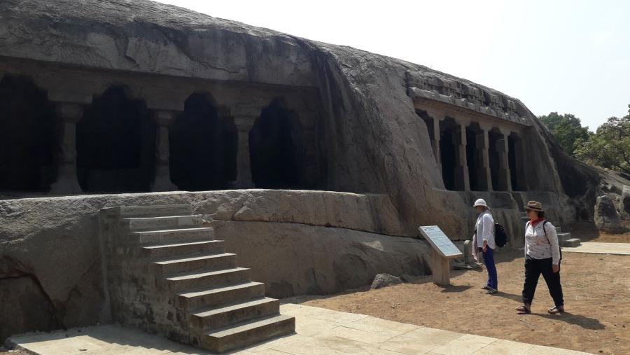 Rook cat cave temples