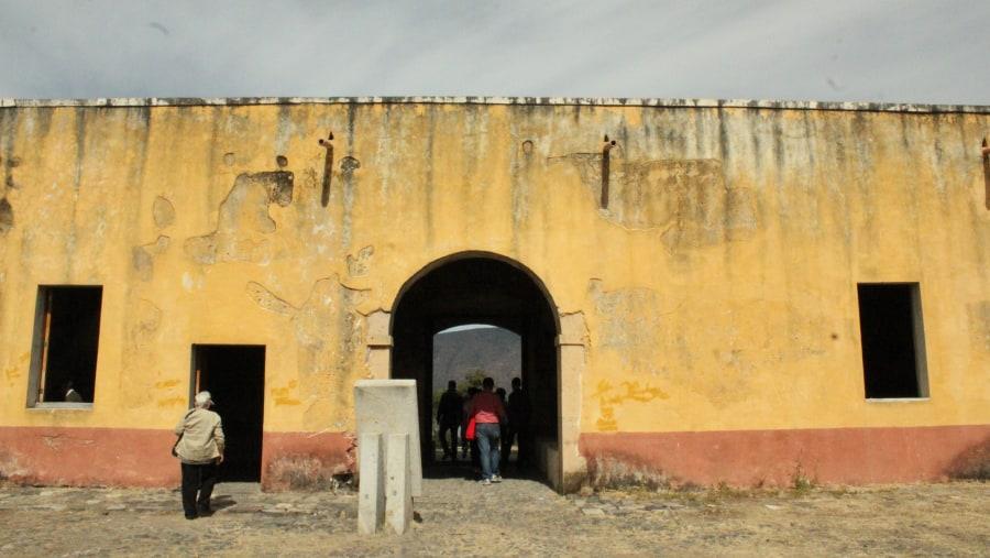 La entrada al Cuartel