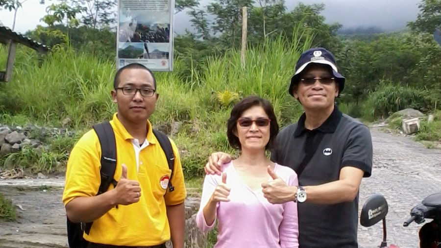 Mrs.Susanna Tan &her husband (Merapi Volcano Tour)