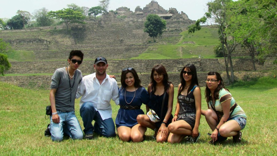 Tourism Students from México in Toniná