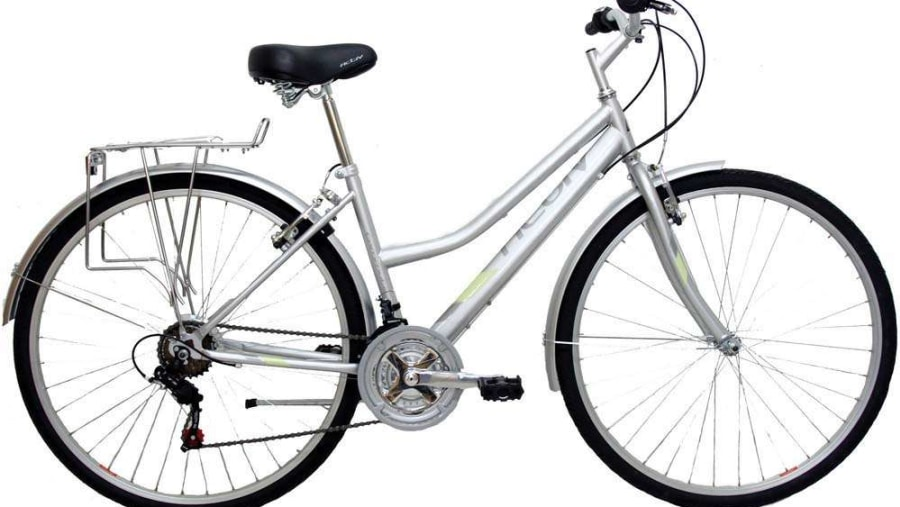 Brighton Bike tours uses Hybrid Bikes perfect for both male and femaleand comes with  with mudgards and back rack. Perfect for the cycle paths and Park lanes